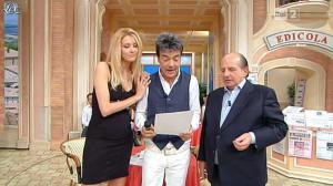 Adriana Volpe dans I Fatti Vostri - 26/10/11 - 02