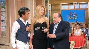 Adriana Volpe dans I Fatti Vostri - 26/10/11 - 06