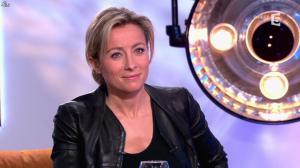 Anne-Sophie Lapix dans C à Vous - 14/01/14 - 17