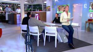 Anne-Sophie Lapix dans C à Vous - 25/02/14 - 05