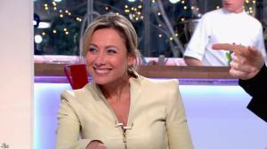 Anne-Sophie Lapix dans C à Vous - 25/02/14 - 08