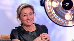 Anne-Sophie Lapix dans C à Vous - 26/02/14 - 15
