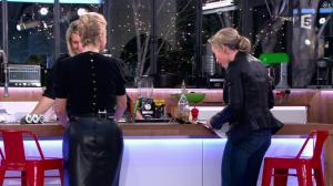 Anne-Sophie Lapix et Karin Viard dans C à Vous - 14/01/14 - 11