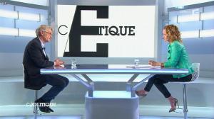 Caroline Roux dans C Politique - 26/01/14 - 14