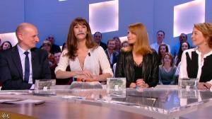 Valérie Amarou et Doria Tillier dans le Grand Journal de Canal Plus - 04/03/14 - 04