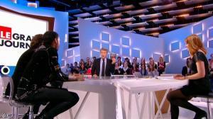 Valérie Amarou dans le Grand Journal de Canal Plus - 19/02/14 - 02