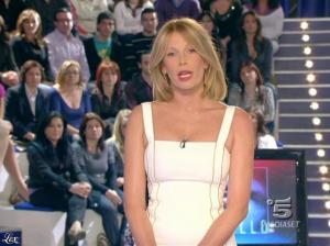 Alessia Marcuzzi dans Grande Fratello - 08/04/09 - 02