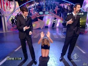 Alessia Marcuzzi dans le Iene - 14/03/08 - 04