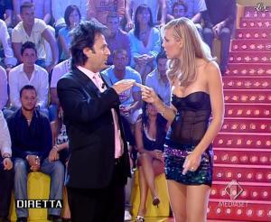 Ilary Blasi dans Mai Dire Candid - 13/09/07 - 08