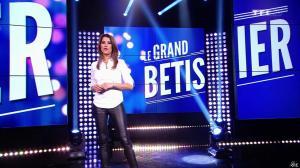 Karine Ferri dans le Grand Bêtisier - 12/06/15 - 07