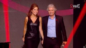 Léa Salamé dans la télé Chante pour le Sidaction - 28/03/15 - 01