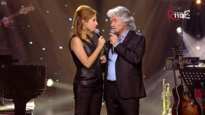 Léa Salamé dans la Télé Chante pour le Sidaction - 28/03/15 - 04