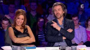 Léa Salamé dans On n'est pas Couché - 07/03/15 - 07