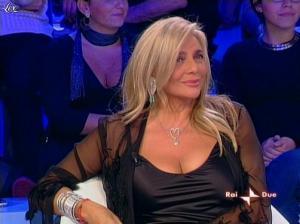 Mara Venier dans L Isola Dei Famosi - 17/11/08 - 04