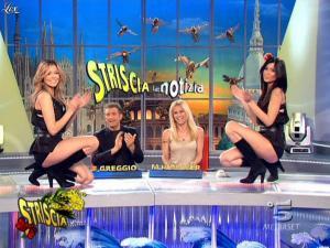 Michelle Hunziker, Costanza Caracciolo et Federica Nargi dans Striscia la Notizia - 07/03/09 - 09