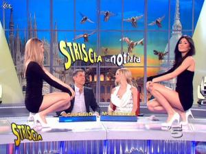 Michelle Hunziker, Costanza Caracciolo et Federica Nargi dans Striscia la Notizia - 14/03/09 - 07