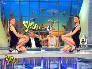 Michelle Hunziker, Costanza Caracciolo et Federica Nargi dans Striscia la Notizia - 20/02/09 - 06