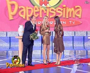 Michelle Hunziker et Manuela Arcuri dans Paperissima - 13/10/06 - 09