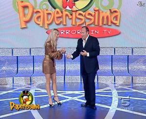 Michelle Hunziker dans Paperissima - 13/10/06 - 02