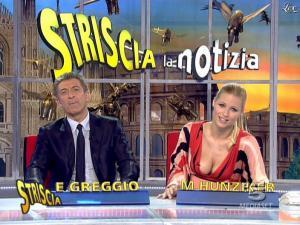 Michelle Hunziker dans Striscia la Notizia - 06/02/08 - 09