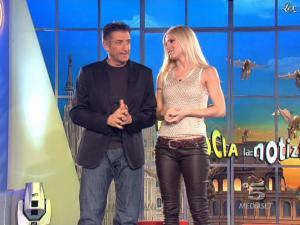 Michelle Hunziker dans Striscia la Notizia - 07/03/09 - 03