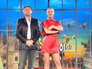 Michelle Hunziker dans Striscia la Notizia - 10/02/09 - 04