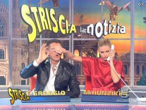 Michelle Hunziker dans Striscia la Notizia - 10/02/09 - 06