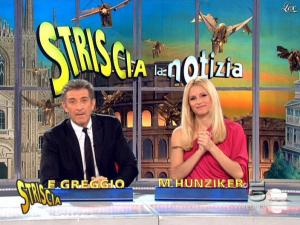 Michelle Hunziker dans Striscia la Notizia - 10/03/09 - 10