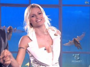 Michelle Hunziker dans Striscia la Notizia - 14/03/09 - 02