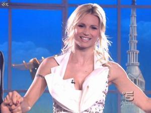 Michelle Hunziker dans Striscia la Notizia - 14/03/09 - 03
