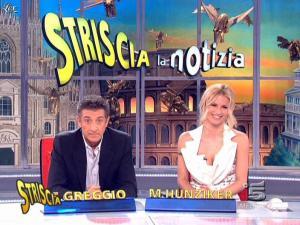 Michelle Hunziker dans Striscia la Notizia - 14/03/09 - 08