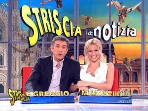 Michelle Hunziker dans Striscia la Notizia - 14/03/09 - 09