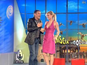 Michelle Hunziker dans Striscia la Notizia - 21/02/09 - 02