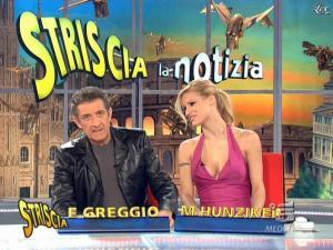 Michelle Hunziker dans Striscia la Notizia - 21/02/09 - 08