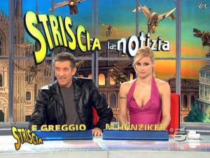 Michelle Hunziker dans Striscia la Notizia - 21/02/09 - 09