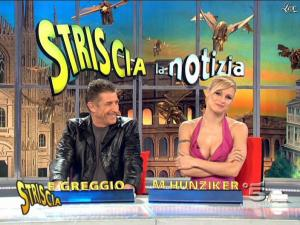 Michelle Hunziker dans Striscia la Notizia - 21/02/09 - 10
