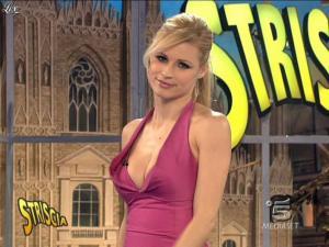 Michelle Hunziker dans Striscia la Notizia - 21/02/09 - 12