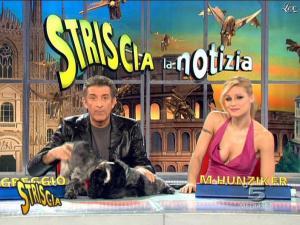 Michelle Hunziker dans Striscia la Notizia - 21/02/09 - 14