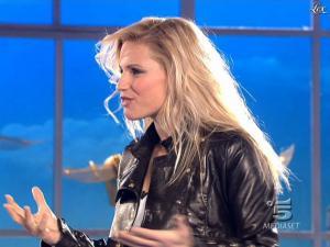 Michelle Hunziker dans Striscia la Notizia - 27/02/09 - 02
