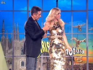Michelle Hunziker dans Striscia la Notizia - 27/03/09 - 04