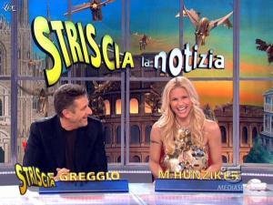 Michelle Hunziker dans Striscia la Notizia - 27/03/09 - 07