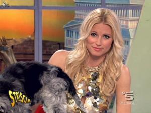 Michelle Hunziker dans Striscia la Notizia - 27/03/09 - 08