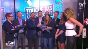 Caroline Ithurbide dans Touche pas à mon Poste - 19/04/16 - 10