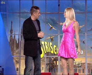 Michelle Hunziker dans Striscia la Notizia - 13/10/06 - 04