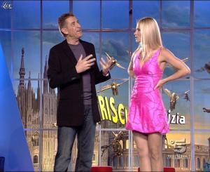 Michelle Hunziker dans Striscia la Notizia - 13/10/06 - 05