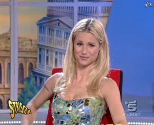 Michelle Hunziker dans Striscia la Notizia - 15/11/06 - 10