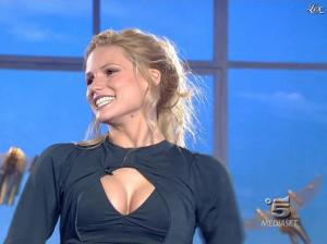 Michelle Hunziker dans Striscia la Notizia - 19/01/08 - 01