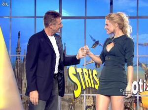 Michelle Hunziker dans Striscia la Notizia - 19/01/08 - 02