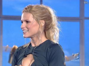 Michelle Hunziker dans Striscia la Notizia - 19/01/08 - 04
