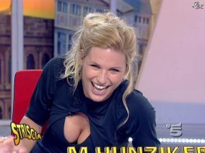 Michelle Hunziker dans Striscia la Notizia - 19/01/08 - 08
